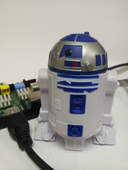 R2D2 with a servo controlled head!